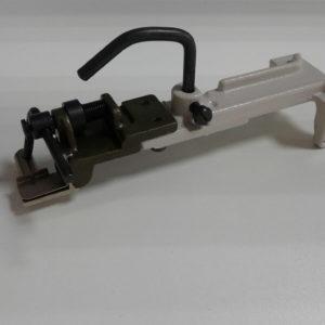 Лапка Juki 373 аппарат пуговичный (пуговица на ножке) B2401-373-OBO