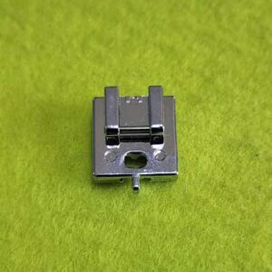 Лапка для потайной молнии металл c направляющей (66011) JZ